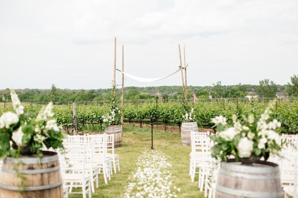 Ravine Vineyard Wedding with flowers by Niagara Wedding Florist Threads & Blooms