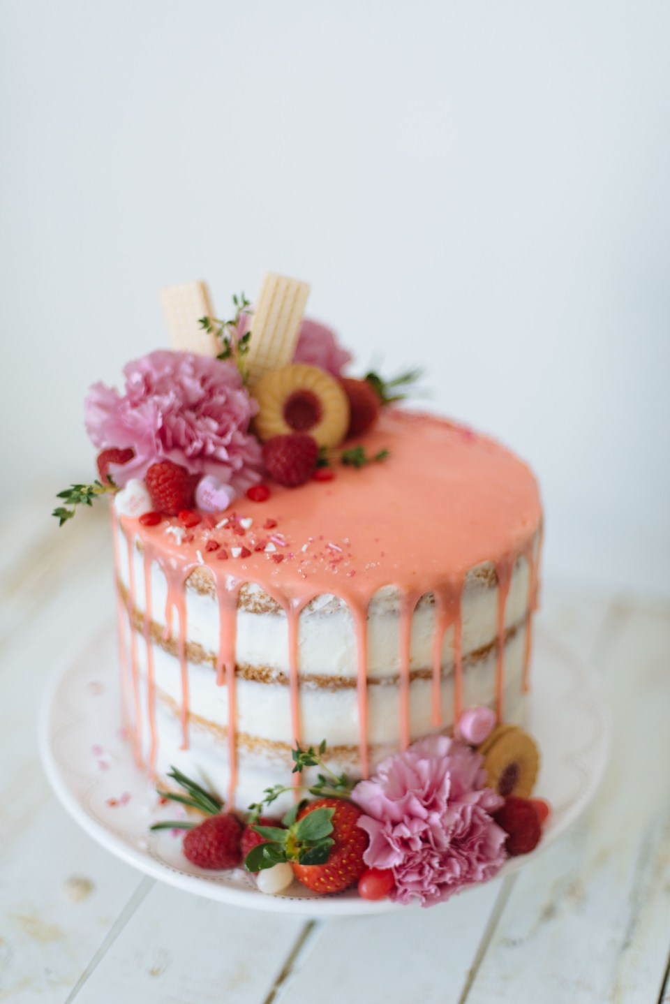 Beautifully Decorated DIY Naked Cake for Valentines Day