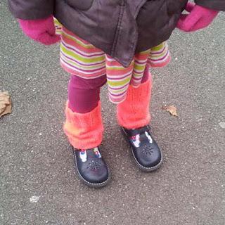 girls legwarmer, young girls legwarmer pattern, free girls legwarmer pattern, girls legwarmer knitting pattern