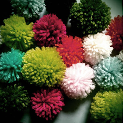 pompoms, holiday projects, cheap and easy craft projects, cool kids projects
