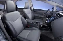 2012-Toyota-Prius-V-Interior-1-1024x680