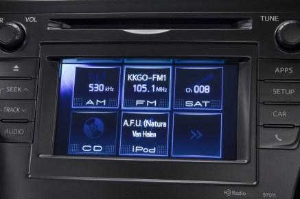 2012-Toyota-Prius-V-Panel-And-Display-3-1024x680