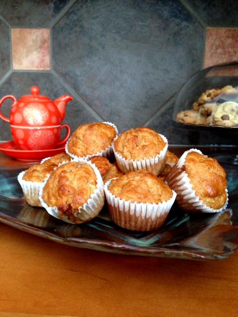 Healthy Apple Oatmeal Breakfast Muffins