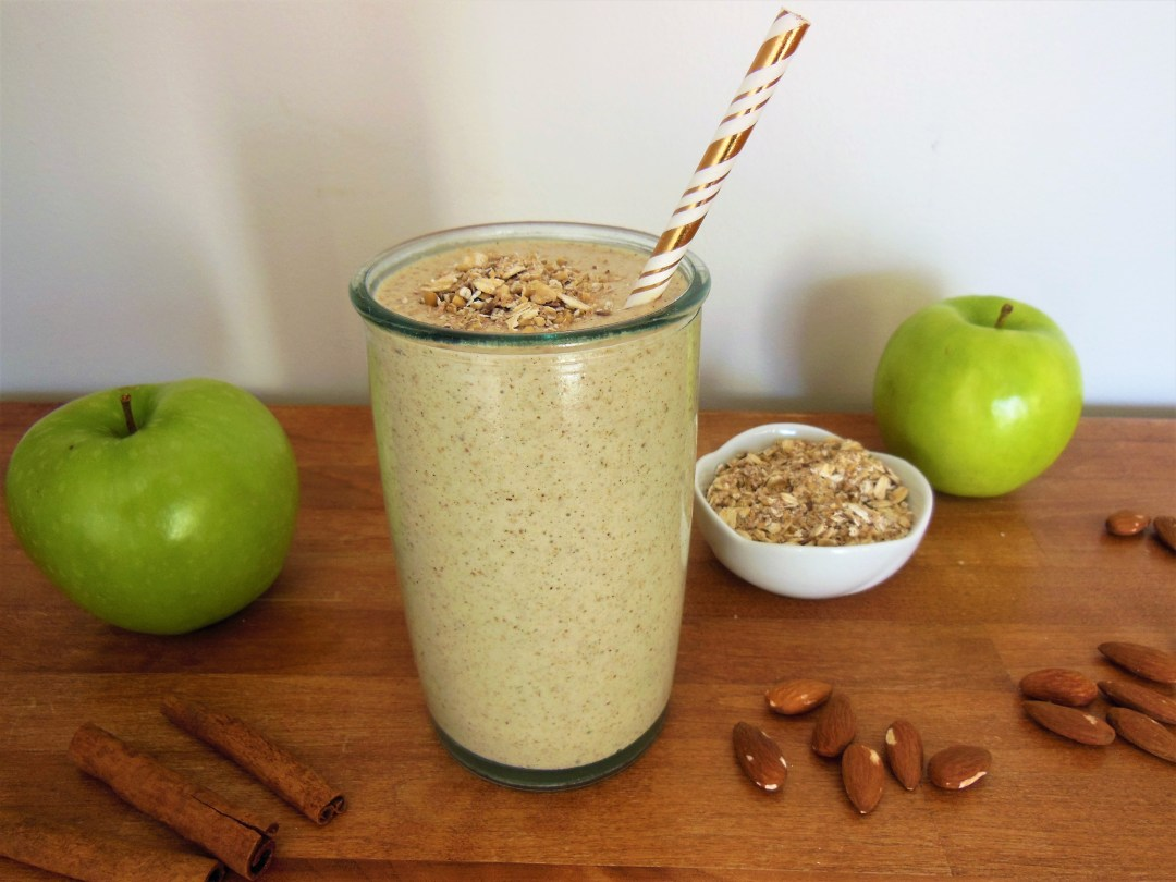 Apple Cinnamon Oatmeal Smoothie