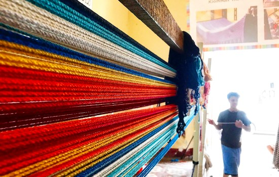 A hammock in the making at Cafe de Sonrisas