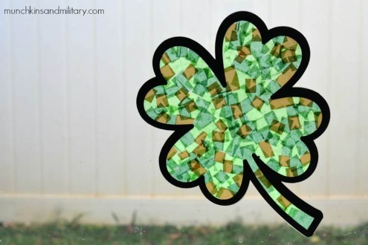 A simple and mess-free craft to help kids celebrate St. Patrick's Day!