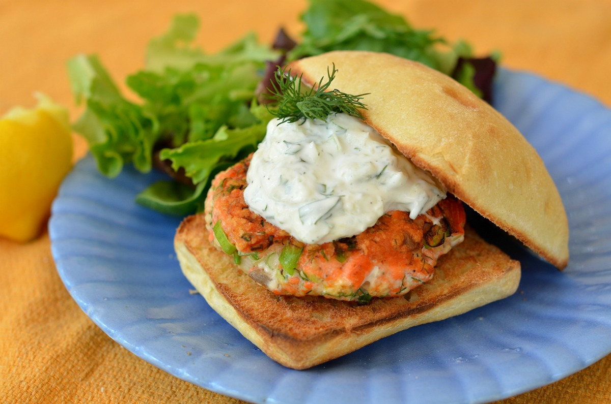 Image source: http://threemanycooks.com/recipes/meaty-mains/salmon-burgers-with-yogurt-cucumber-sauce/