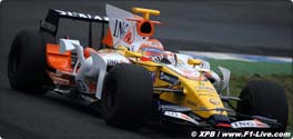 Piquet back on track with the Renault test team