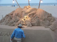 Sand artist Photo by Mike Hartley