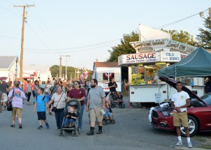 Ford, food and fair goers. Photo by Mike Hartley