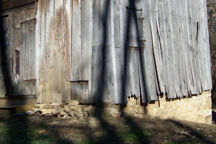 Old barn along Manor Lane. Photo by Mike Hartley