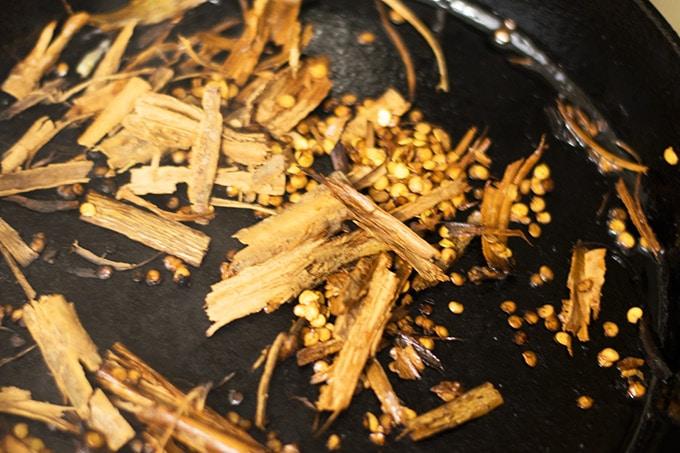 cinnamon-seeds-cloves