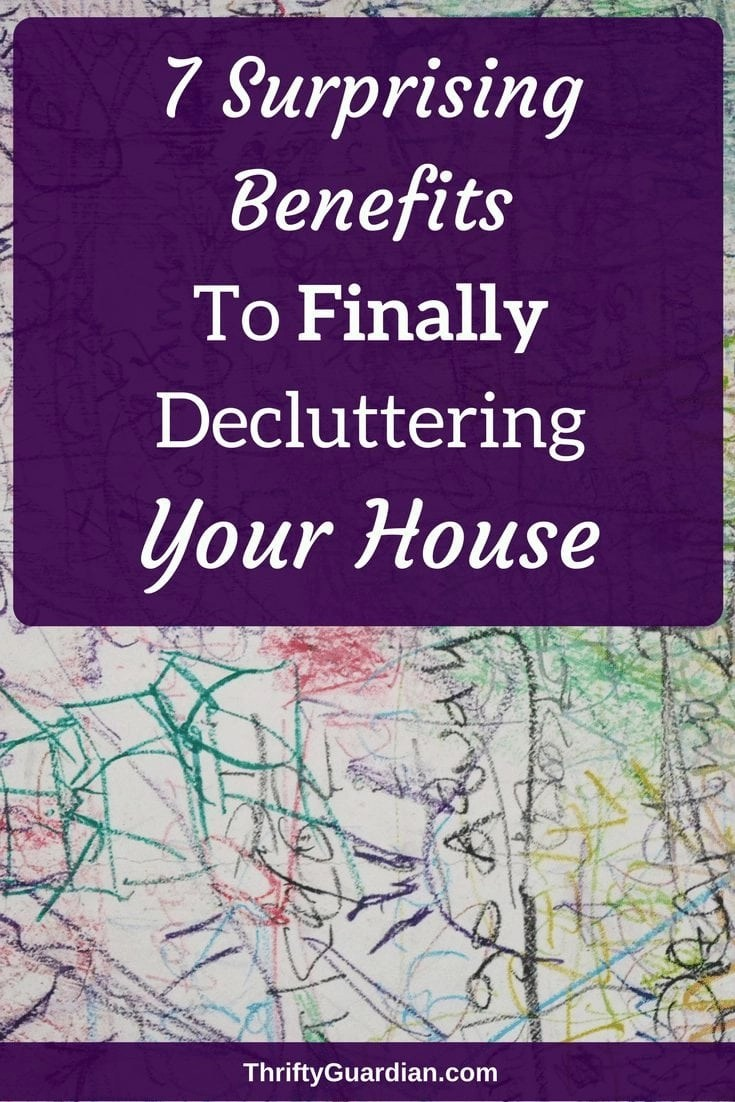 How decluttering helps you reduce stress and live a healthier life. You don't have to be a minimalist to live clutter-free! #organizationaltips #declutter #lessclutter #minimalist #cleanhouse #resale