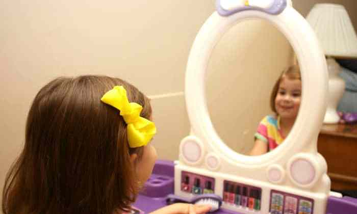 Toddler Hair Care Solutions with the Pretty and Posh Vanity from Step2 {+Giveaway!}