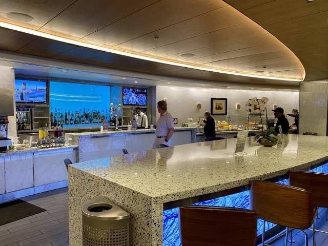 delta sky club seattle bar