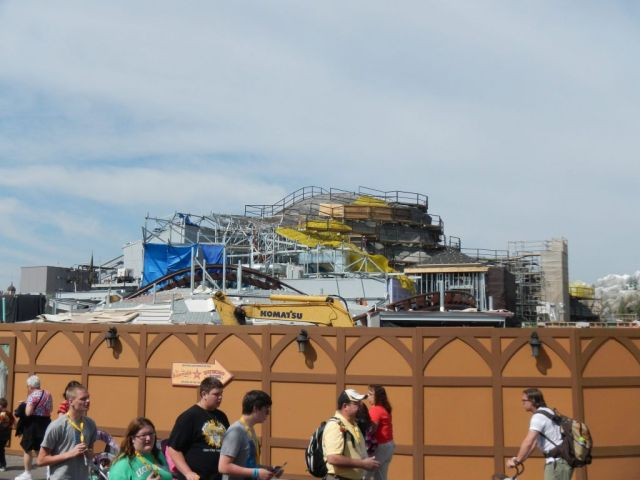 An overview of the mountain construction area