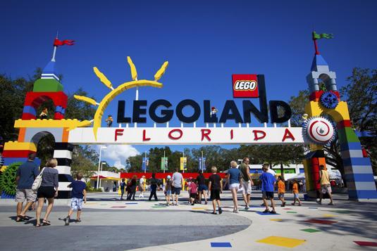 Legoland_1-a_Entrance
