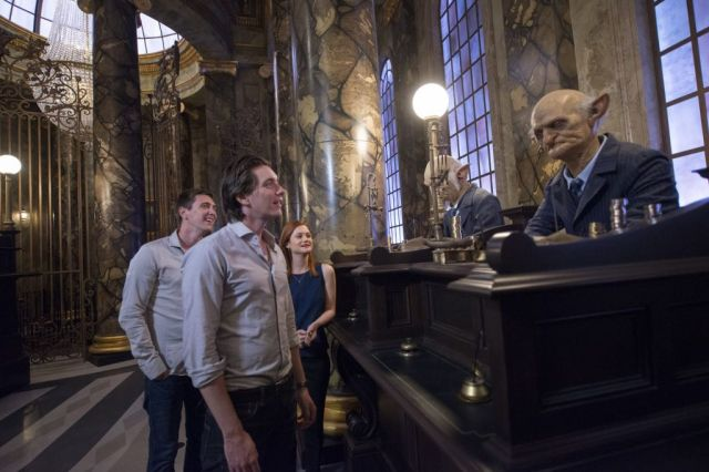 Harry Potter Stars Visit Diagon Alley 3
