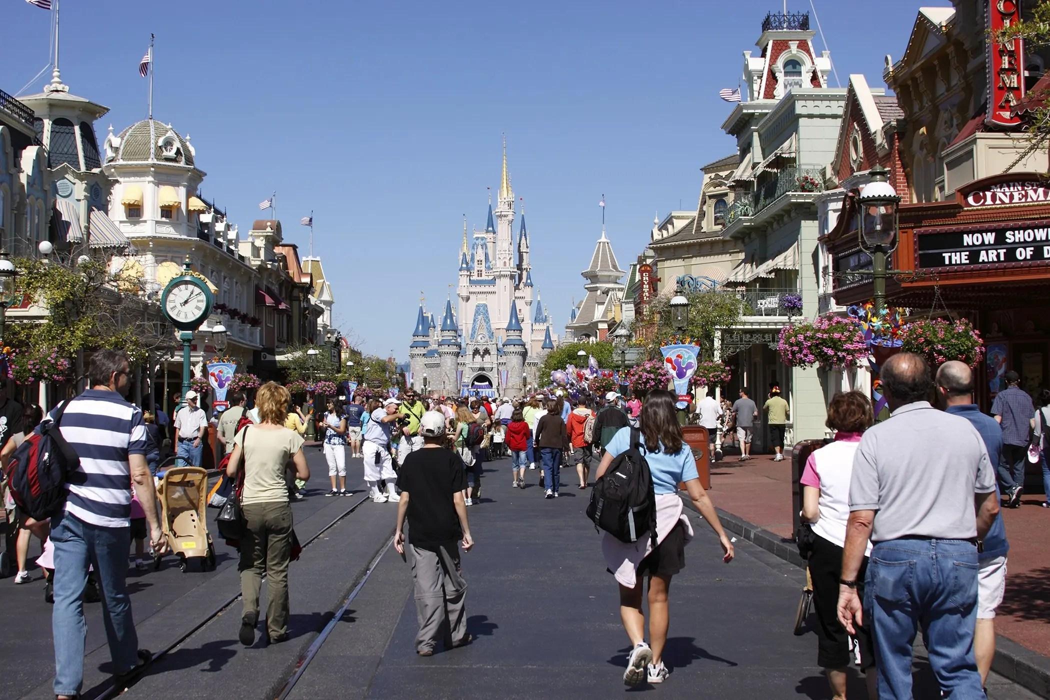 Tables in Wonderland Information – Walt Disney World