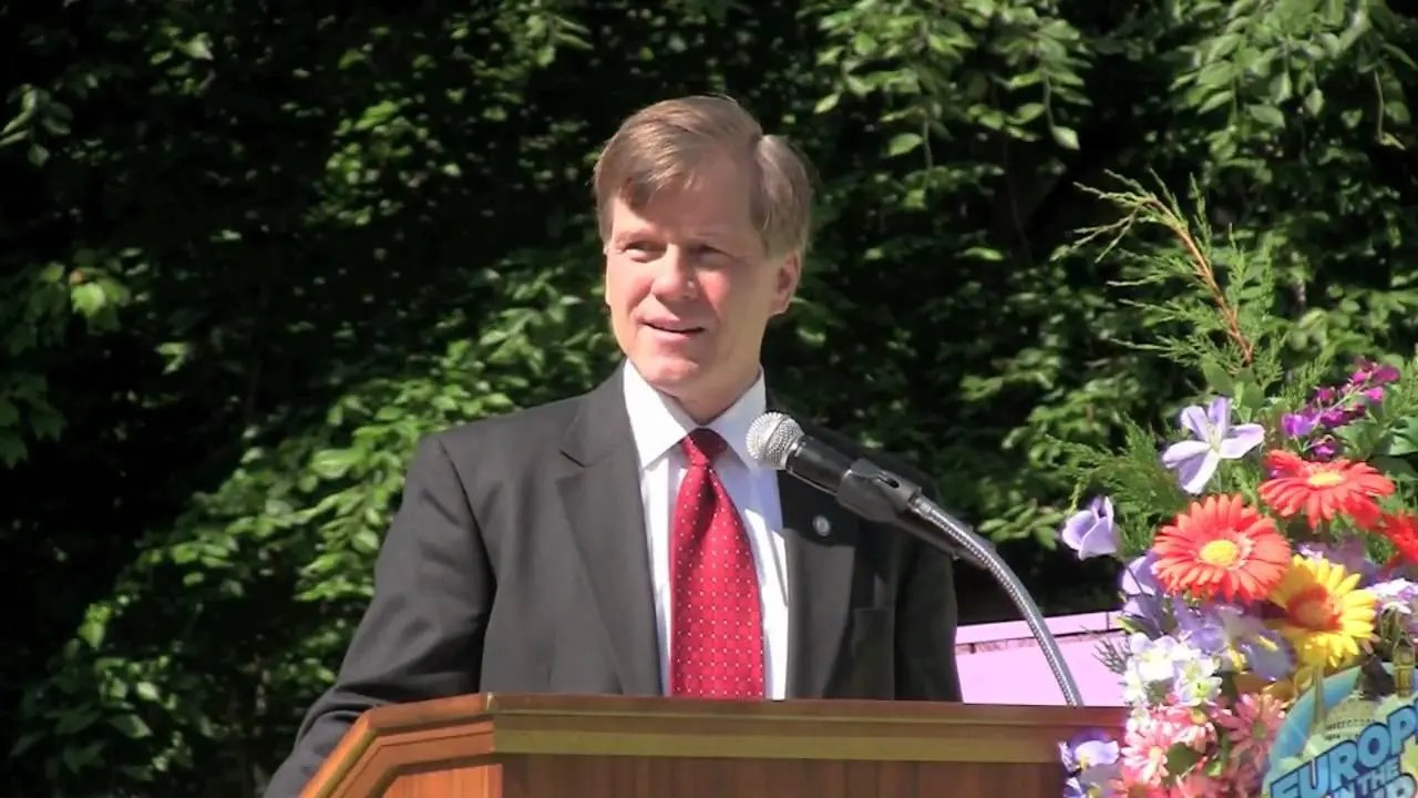 Ireland Media Day, Europe within the Air, Gov. Bob McDonnell | Busch Gardens History