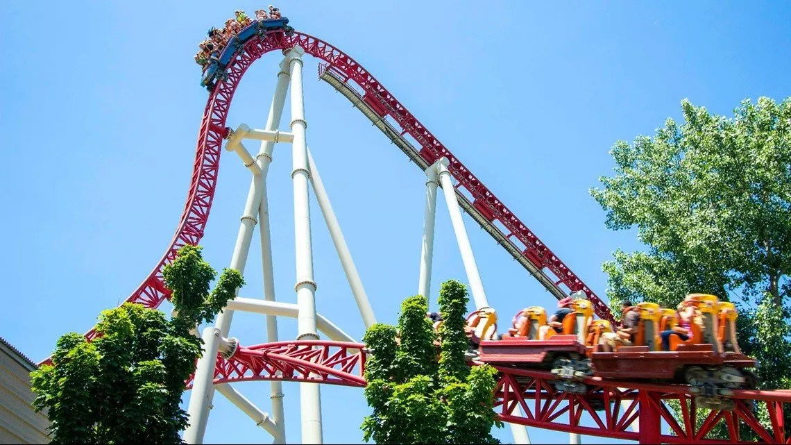 Is Cedar Point hiring? Here are the perks to working this fall