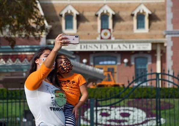 Disneyland still closed in California, dragging on Disney earnings