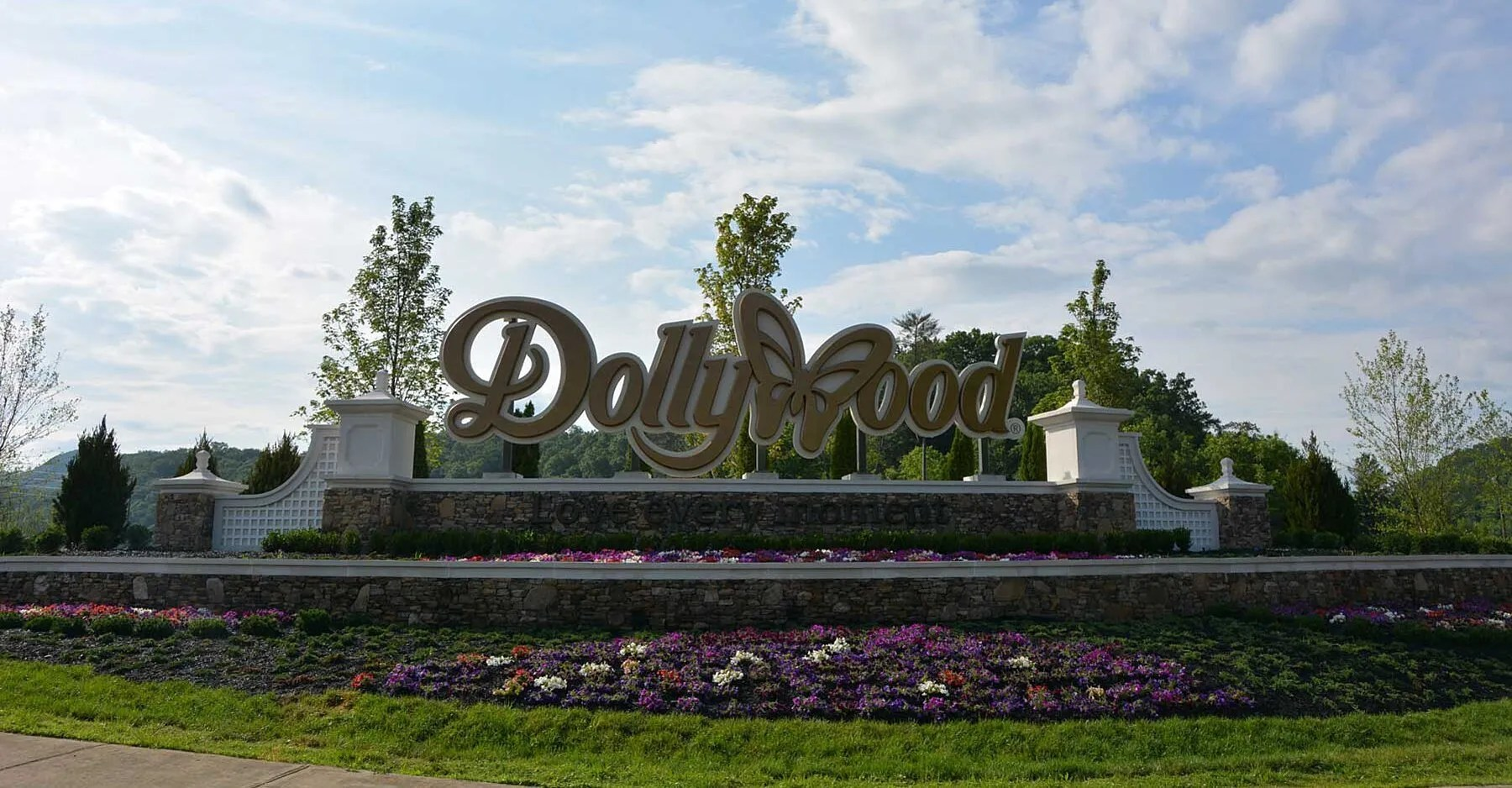 Dollywood's Annual Homeschool Days Let Students Learn in the Theme Park