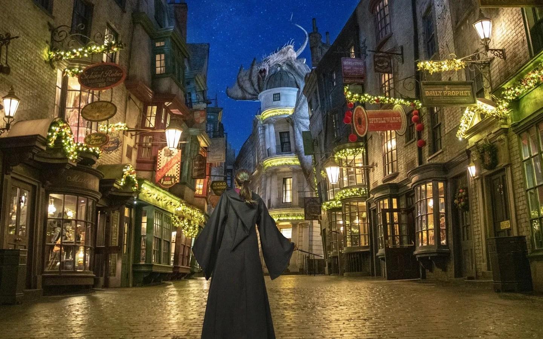 Universal Orlando Resort unwraps its lineup of seasonal entertainment – 95.5 WSB
