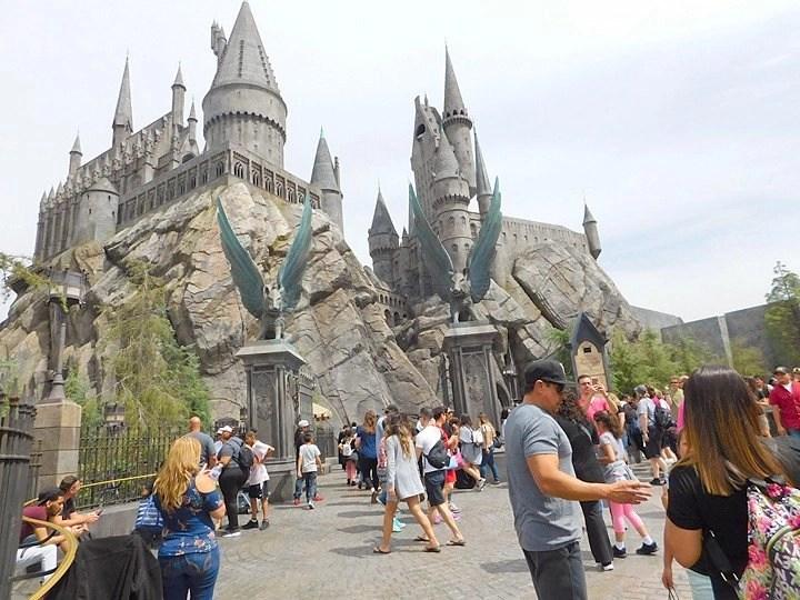 Universal Studios to reopen April 16