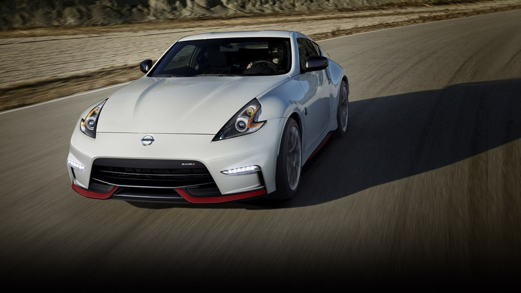 Clash of the Japanese iconic sports cars: Nissan 370Z Nismo