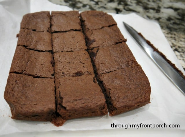 How To Cut The Perfect Brownie Square