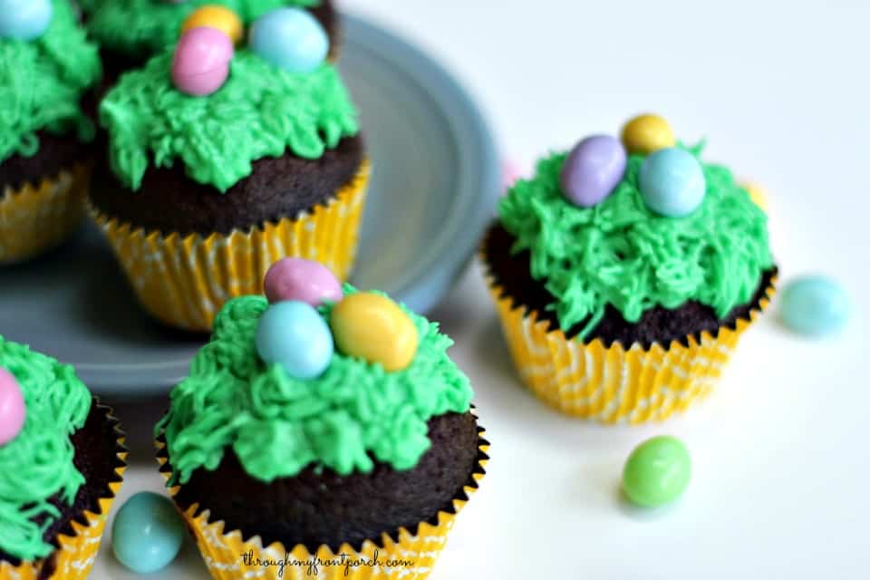 How To Make Fun Easter Cupcakes
