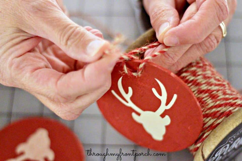 How To Make Easy Wood Reindeer Ornaments