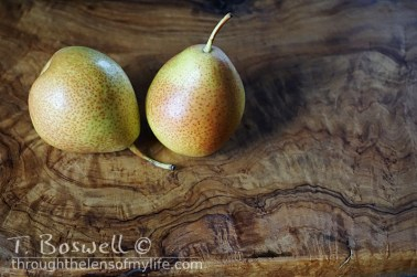 DSC07310-2-pair-pears-olive-wood-3x2cp-terry-boswell-wm