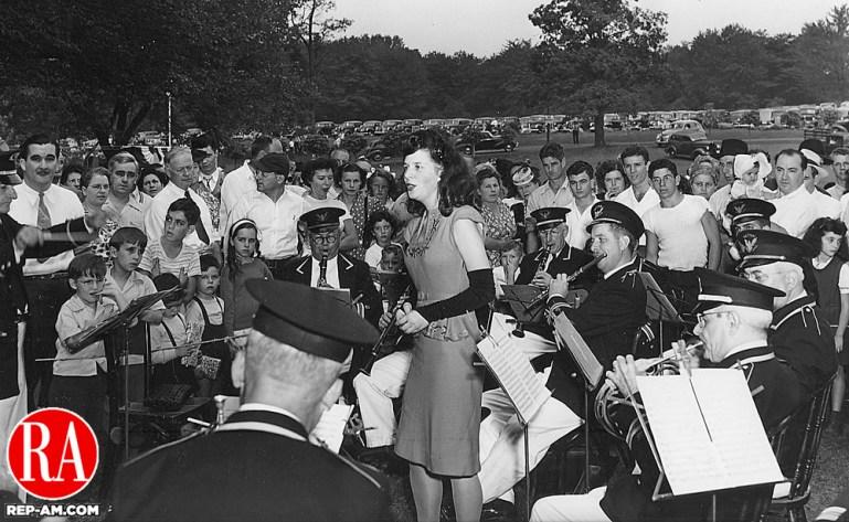 TBT_SingerQuassyRepAm_1946_BLOG