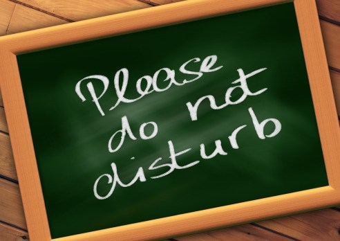 THROW-DICE-PLAY-NICE-DO-NOT-DISTURB