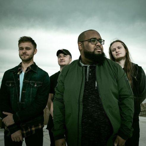 Group photo of rap rock band, Discrepancies