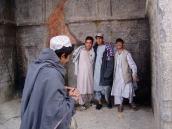Ausflügler auf den Chehel Sina (40 Stufen) in Kandahar.