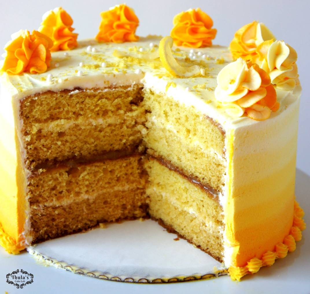 The Cream Cheese Frosting Alternated With The Lemon Curd In Combination With This Lemon Cake Such A Heavenly Combination And Look How Moist The Cake
