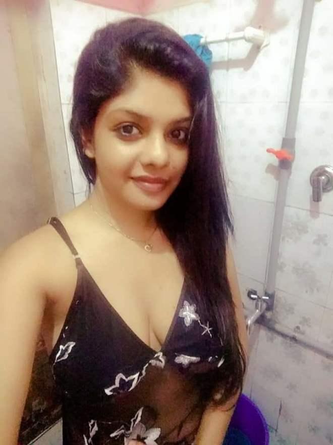 Vedhika sexy boobs photo leaked in white saree