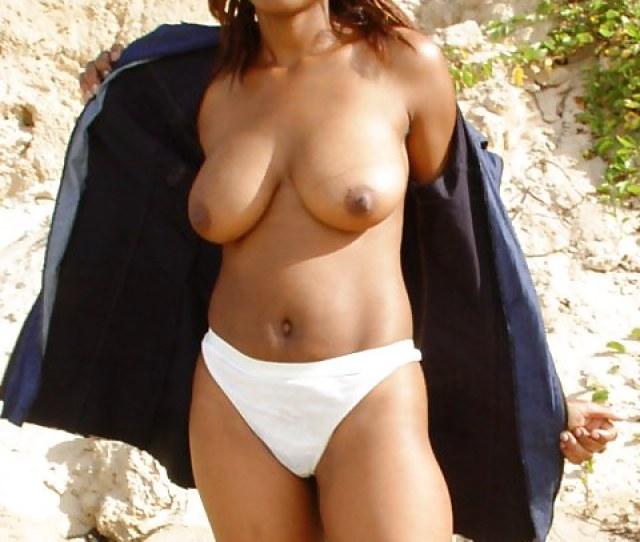 Big Tit Black Girl Skinny Dips At The Beach Jerk Off  Pics Xhamster Com
