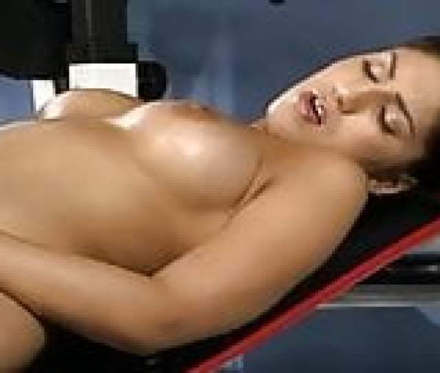 Iranian Melody Working Up A Sex Sweat On The Gym