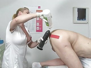 Fiste par l'infirmiere