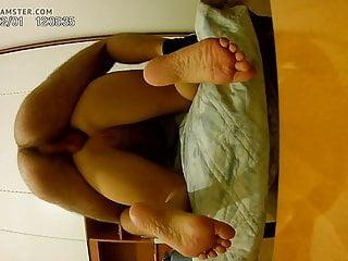 Anus toes