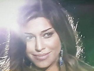 Belen Rodriguez sfilata in intimo