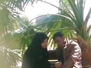 Caught Paki Naqab Whore With Christian BF In Park