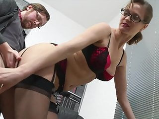 Elise bangs along with her Boss in Workplace