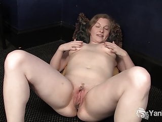 Yanks Lili Sparks Pussy rubbing