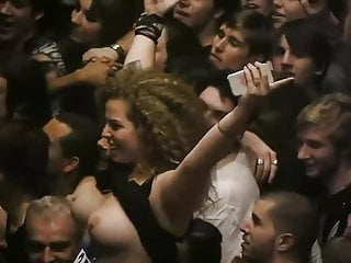 grope jugs at live performance encoxada chikan contact ass