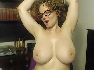 anus coming into contact her each areolas
